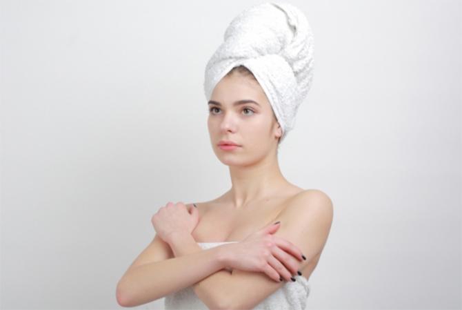 基礎化粧品で肌を保湿する